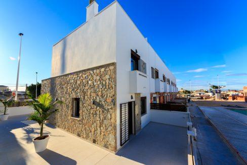 Geschakelde duplex Torrevieja op 900 meter van de kust! vanaf € 234900,– (2)