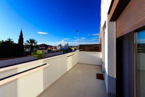 Geschakelde duplex Torrevieja op 900 meter van de kust! vanaf € 234900,– (20)