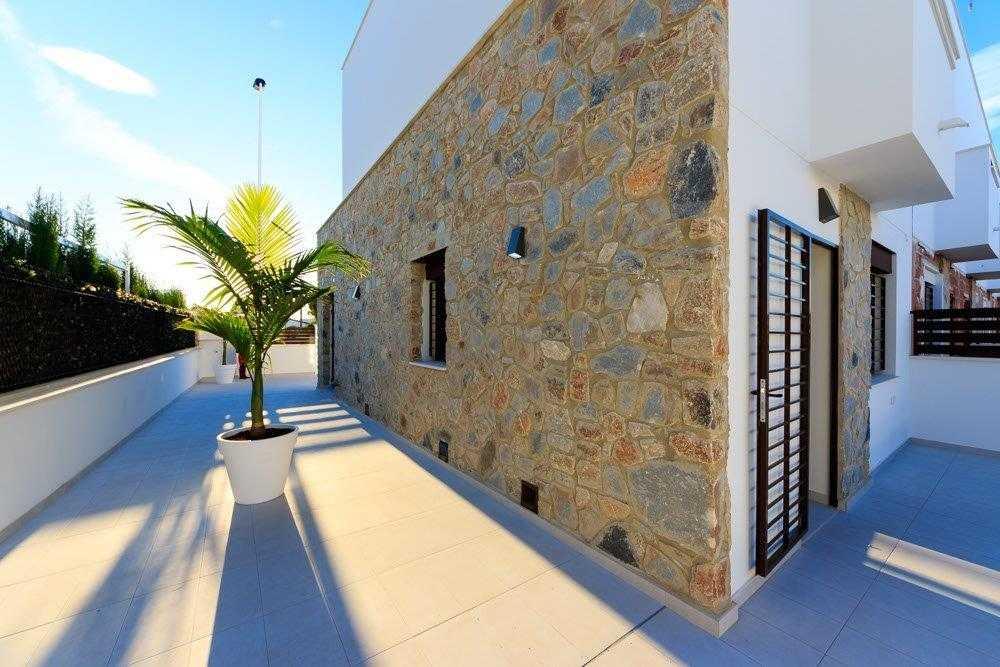 Geschakelde duplex Torrevieja op 900 meter van de kust! vanaf € 234900,– (3)