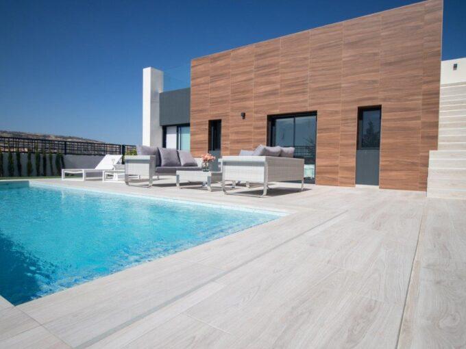 Vrijstaande gelijkvloerse villa met privé zwembad vanaf € 339.000,- Huis aan de Costa