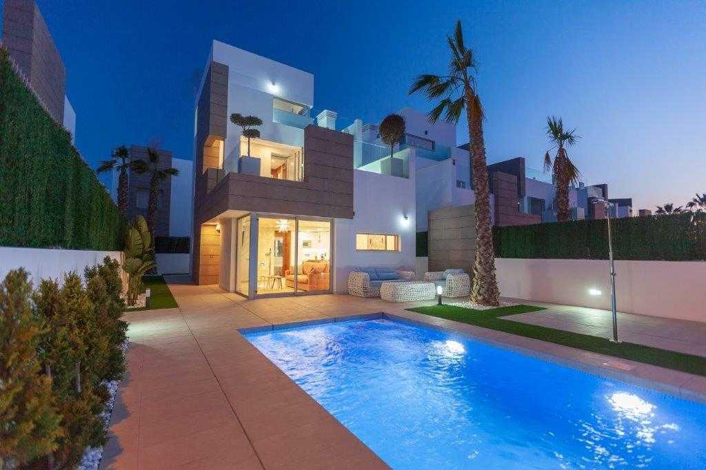 Mooie vrijstaande villa's met privé zwembad in Guardamar del Segura